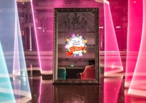 interactive mirror photo booth